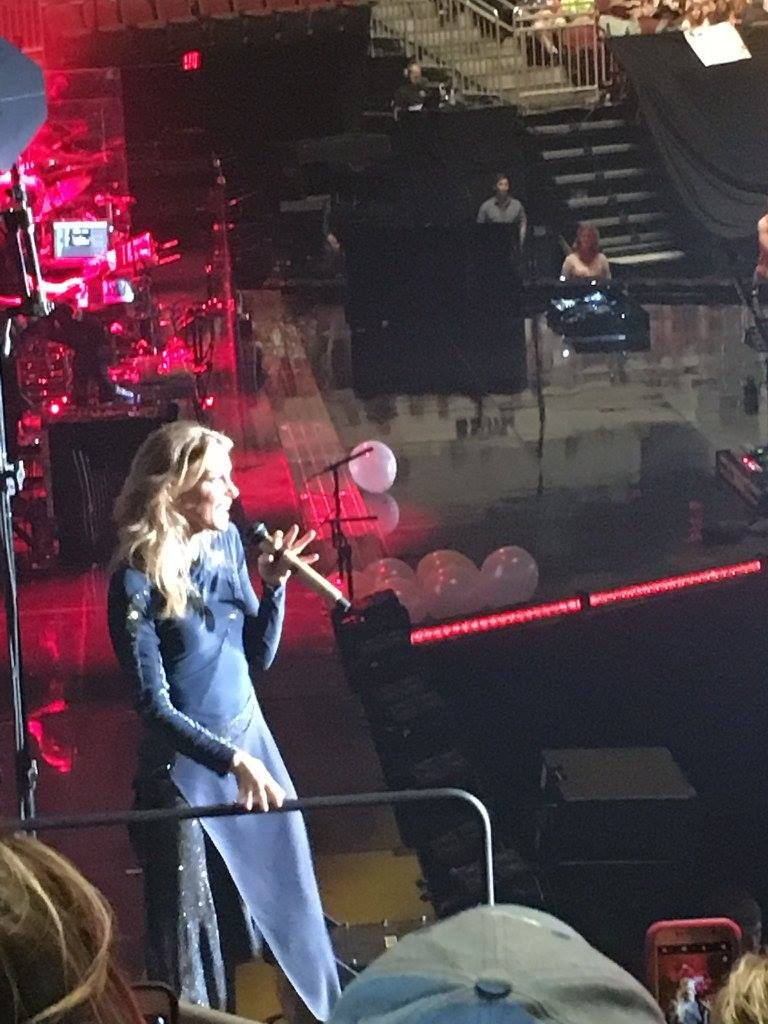 Faith Hill up close